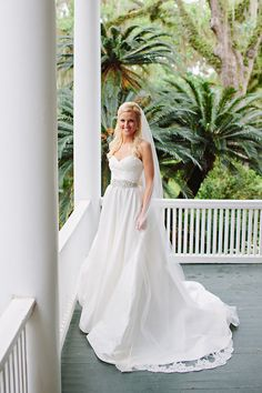 classic sweetheart gown   Red Fly Studios #wedding