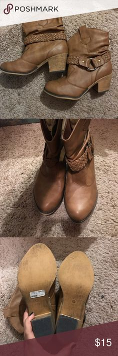 Brown ankle boots Women's brown ankle boots. Never worn! From body central Body Central Shoes Ankle Boots & Booties
