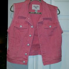 American Rag coral Jean vest Perfect condition, size Large beautiful colorful Jean vest =) #greatdeal #hotlook #Sexysweetness #Perfectgift #Classylook #Sassy American Rag  Jackets & Coats Vests