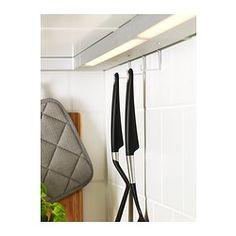 IKEA - UTRUSTA, Éclairage plan travail à LED, 40 cm, , Préparer les repas et travailler dans la cuisine est plus sûr, plus facile et plus amusant si vous disposez d'un bon éclairage au-dessus du plan de travail.La source lumineuse à LED consomme près de 85% d'électricité en moins et dure 20 fois plus longtemps qu'une ampoule à incandescence.Vous pouvez suspendre des accessoires de cuisine sous l'éclairage du plan de travail à l'aide des 3 crochets inclus.La source lumineuse à…