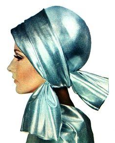 Silver headscarf, Margriet (Dutch) December 1966