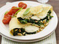 Überbackene Pfannkuchen mit Spinat und Mozzarella gefüllt Rezept   EAT SMARTER