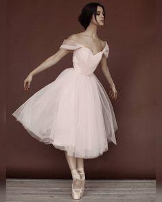 Anastasia Limenko ballet dancer for 'La personne' Photography by Anastasia Senikova Tutu Ballet, Ballet Art, Ballet Dancers, Ballet Style, Mode Outfits, Dance Outfits, Dance Dresses, Ballet Outfits, Prom Dresses
