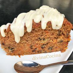 Este bizcocho de zanahorias y pasas es facilísimo de hacer, y resulta natural y aromático. Puedes hacerlo con harina integral o usar harina de trigo común.