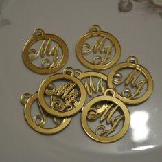 20 Medalhas Para Convites e Caixas Personalizadas em Acrílico Espelhado Dourado com as Iniciais que o Cliente Desejar