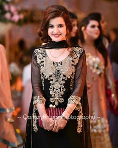 Hello Pakistan, Pakistani Fashion Casual, Walima, Pakistani Wedding Dresses, Traditional Wedding, Designer Dresses, Dubai, Fashion Dresses, Bride