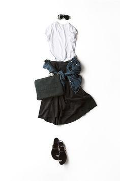 コーディネート詳細(ちょっと秋ムードの、白×ネイビー)| Kyoko Kikuchi's Closet|菊池京子のクローゼット Fashion 2017, Daily Fashion, Spring Fashion, Winter Fashion, Womens Fashion, Colorful Fashion, Asian Fashion, Skirt Fashion, Fashion Outfits