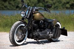 Customized Harley-Davidson Softail Crossbones with whitewalls and solo-seat by Thunderbike Customs