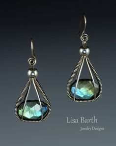 Wire wrapped earrings 386746686745268636 - Simple wire wrap around two beautiful Labradorite beads. – Lisa Barth Source by dilouchkaia Wire Wrapped Earrings, Wire Earrings, Earrings Handmade, Handmade Jewelry, Bead Jewellery, Jewelry Art, Beaded Jewelry, Jewlery, Wire Jewelry Designs