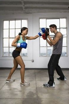 Boxing Workouts to Lose Weight - Get hot, and be able to kick some butt...