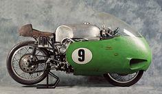 Moto Guzzi V8, el pepino de los años 50 #classicmotorcycles #motosclásicas | caferacerpasion.com