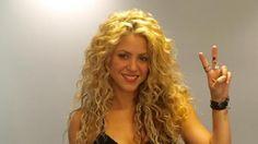 Shakira ♦ La cantante barranquillera Shakira llegaría esta lunes en horas de la tarde a su ciudad natal para la grabación del videoclip que prepara junto al samario Carlos Vives. ♦ 15/05/2016