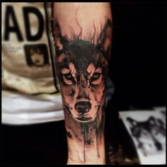 Wow! I love the way this wolf is done! @victormontaghini | Wolf!