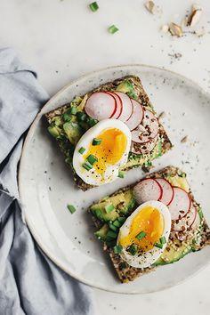 26 ways to pimp your avocado on toast