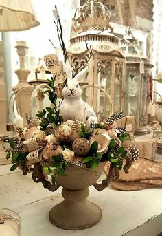 40+ Beautiful Easter Table Decorations & Centerpieces | easter ...