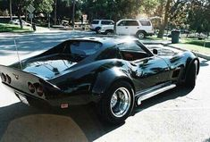 The Corvette Stingray is one of the most popular sports cars of all time. The Stingray goes all the way back to the and is still produced today. Corvette Summer, Chevrolet Corvette Stingray, My Dream Car, Dream Cars, Hot Rods, Classic Corvette, Custom Muscle Cars, Unique Cars, Sport Cars