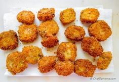 Lasagna Bites - deep fried crispy lasagna pieces with marinara sauce. A delicious and easy appetizer to serve for game night! Lasagna Bites, Marinara Sauce, Appetizers, Breakfast, Ethnic Recipes, Easy, Food, Morning Coffee, Appetizer