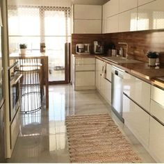 This kitchen cabinet models will be talked about a lot so beautiful. The kitchen is a very important issue that we need to pay attention when decorating. Home Design Decor, Diy Home Decor, House Design, Kitchen Room Design, Kitchen Decor, Decorating Kitchen, Kitchen Cabinets Models, Style Rustique, L Shaped Kitchen