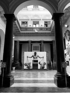 """la """"Giustizia"""" arriva a Palazzo delle Aquile a Palermo in occasione della commemorazione di Giovanni Falcone e di tutte le vittime della mafia. In esposizione nell'atrio del Palazzo del Comune fino al 28 maggio."""