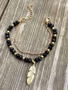 Black & Gold Chain Feather Bracelet – MAC Jewelry Source by macjewelryhb bracelets Black Gold Chain, Black Gold Jewelry, Gold Jewellery, Dress Jewellery, Diy Schmuck, Schmuck Design, Fashion Bracelets, Fashion Jewelry, Make Jewelry