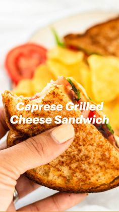 Wrap Recipes, Gourmet Recipes, Easy Recipes, Easy Meals, Cheese Wrap, Cheese Crisps, Easy Homemade Burgers, Cooking Tips, Cooking Recipes
