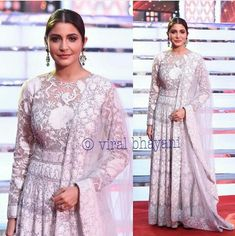 Anushka at Umang award ceremony... First after marriage
