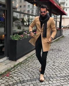 Work Outfit Ideas For Men is part of Mens winter fashion - The traditional man's suit is a great choice of outfit for men It's practical, looks good and is easy to […] Moda Men, Herren Style, Herren Outfit, Best Mens Fashion, Gentleman Style, Mode Inspiration, Men Looks, Mens Clothing Styles, Trendy Clothing