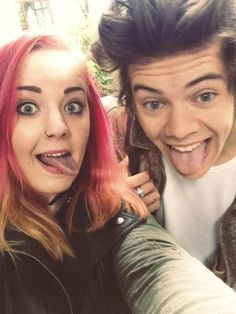 Twitter / 1DAlerts: #NEW Harry and a fan today ...