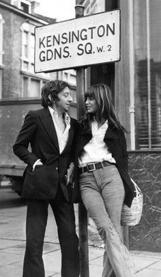 the namesake of hermes' iconic bag, jane birkin is ever the elegant girlfriend in this photo of her with serge gainsbourg.as the namesake of hermes' iconic bag, jane birkin is ever the elegant girlfriend in this photo of her with serge gainsbourg. Serge Gainsbourg, Gainsbourg Birkin, Charlotte Gainsbourg, Estilo Jane Birkin, Jane Birkin Style, Jane Birkin Now, Lauren Hutton, Christy Turlington, Moda 80s