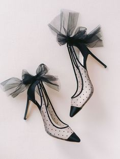 Boring and uncomfortable shoes are so yesterday! Bella Belle offers stunning women's evening dress shoes that are sure to impress. Bridal Heels, Wedding Heels, Green Wedding Shoes, Ivory Wedding, Polka Dot Pumps, Shoe Releases, Tulle Bows, Evening Shoes, Mode Style