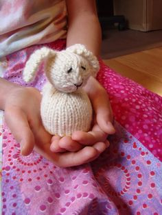 Mini-Reversible Duck to Bunny – Free Pattern!