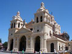 Catedral de Cordoba, Argentina. Foto por Adam Prato