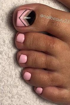 TOE NAIL DESIGN TO KEEP UP WITH TRENDS