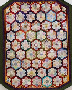 Hexie Quilt with each hexie a design! | Petra Prins