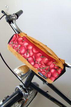 Bike bag, bicycle bag by Aleksanodrowics via DaWanda
