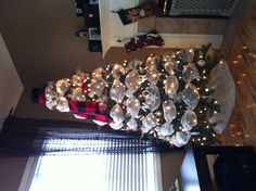 My version of a Snowman Christmas Tree...complete with a vintage 1910 Christy's of London's Top Hat :)