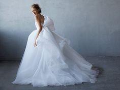 『ハツコ エンドウ』が贈る 「アントニオ・リーヴァ」の世界 最旬ドレスを一気にチェック!の写真1です。