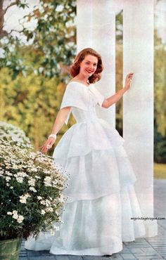 Love this vintage dress from 1957
