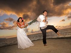 Let #DreamWeddingsHawaii help you make your special wedding day one you will remember forever.