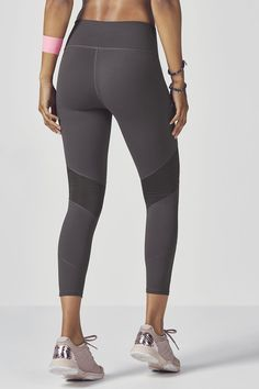 eb2af43f1e8d0a It's easy to keep cool when wearing our high-rise 7/8 capri because.  Fabletics