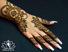 Beautiful and Easy Mehndi Designs For Eid You Must Try - Tikli Basic Mehndi Designs, Mehndi Designs For Girls, Mehndi Designs For Fingers, Dulhan Mehndi Designs, Beautiful Henna Designs, Latest Mehndi Designs, Henna Tattoo Designs, Mehendi, Henna Mehndi
