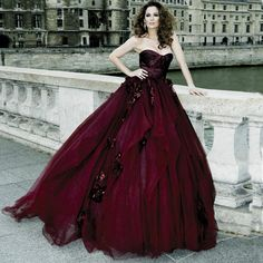 2015 Gothic Victorian Ball Gown Wedding Dresses Halloween Cosplay Bridal Gowns Burgundy Ruched Sweetheart Tulle Prom Gowns Handmade Flowers Online with $183.25/Piece on Weddingfactory's Store | DHgate.com