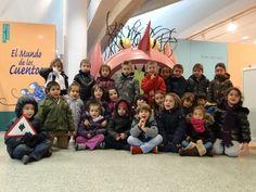 Colegio Villar y Macías. 3º de Educación Infantil Hacer Escuela: El mundo de los cuentos    Fotografías realizadas a los grupos escolares y a los alumnos que han visitado la exposición.