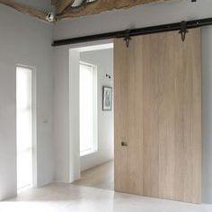 Barn door inspiration. #nwideahouse #425magazine #whiteoak #rusticchic