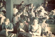 14447557426324633697.JPGLodz, Poland, A knitting workshop.