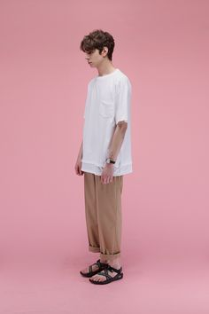 Korean clothing retail LIFUL have dropped a boxy, oversized collection for Spring/summer Streetwear, Korean Fashion Men, Mens Fashion, Look Man, Korean Brands, Minimal Outfit, Moda Vintage, Japan Fashion, Facon