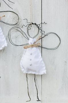 Guardian angel of wire, DIY - Christmas Crafts Diy Christmas Crafts, Christmas Decorations, Xmas, Christmas Ornaments, Wire Crafts, Diy And Crafts, Arts And Crafts, Diy For Kids, Crafts For Kids
