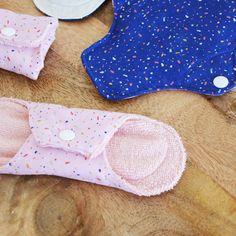 Tutorial washable sanitary napkins in Oeko Tex and Micro fleece fabric Sanitary Towels, Sanitary Napkin, Girl Dress Patterns, Blouse Patterns, Diy Embroidery Shirt, Maxi Dress Tutorials, Fleece Hats, Micro Fleece Fabric, Learn To Sew