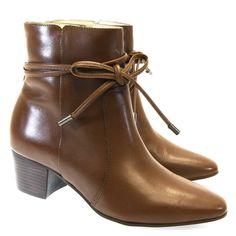 Bota Cano Curto Chocolate 7353 Tabita | Moselle calçados finos femininos! Moselle sua boutique de calçados online.