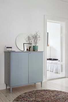 Home Interior Inspiration .Home Interior Inspiration Vintage Dressers, Vintage Cabinet, Living Spaces, Living Room, Home And Deco, Style At Home, Home Design, Design Ideas, Home Fashion